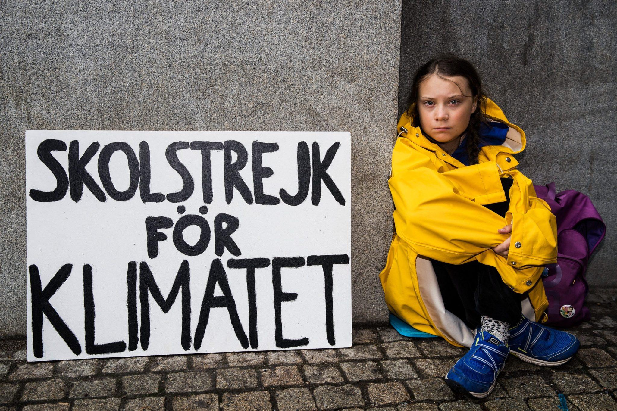 La 16 ani visezi să schimbi lumea. Greta Thunberg și generația ei au început deja.
