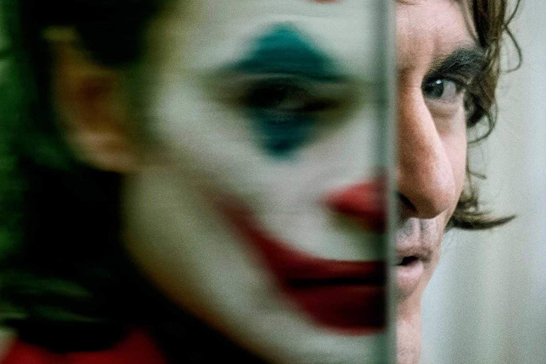 """Joker, sau cum """"noi, cei care am reușit, ne uităm la ceilalți ca la niște clovni"""""""
