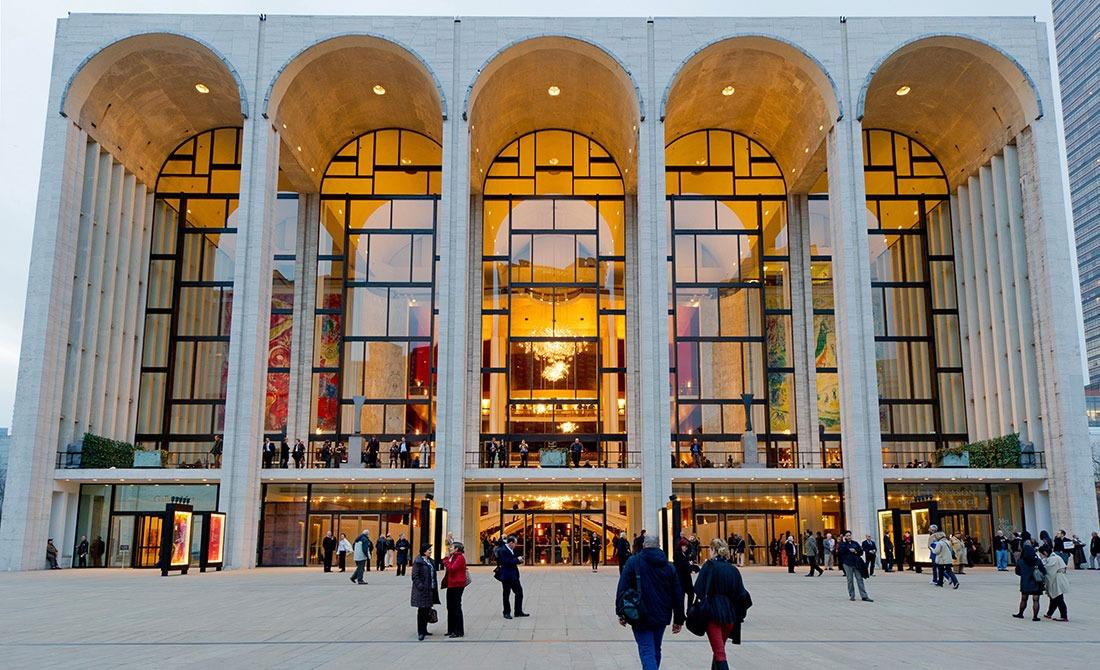 Spectaculoasele producții de la Metropolitan Opera difuzate gratuit online. Programul acestei săptămâni